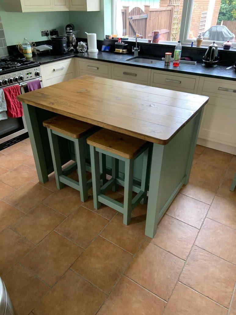 reclaimed wood kitchen breakfast bar